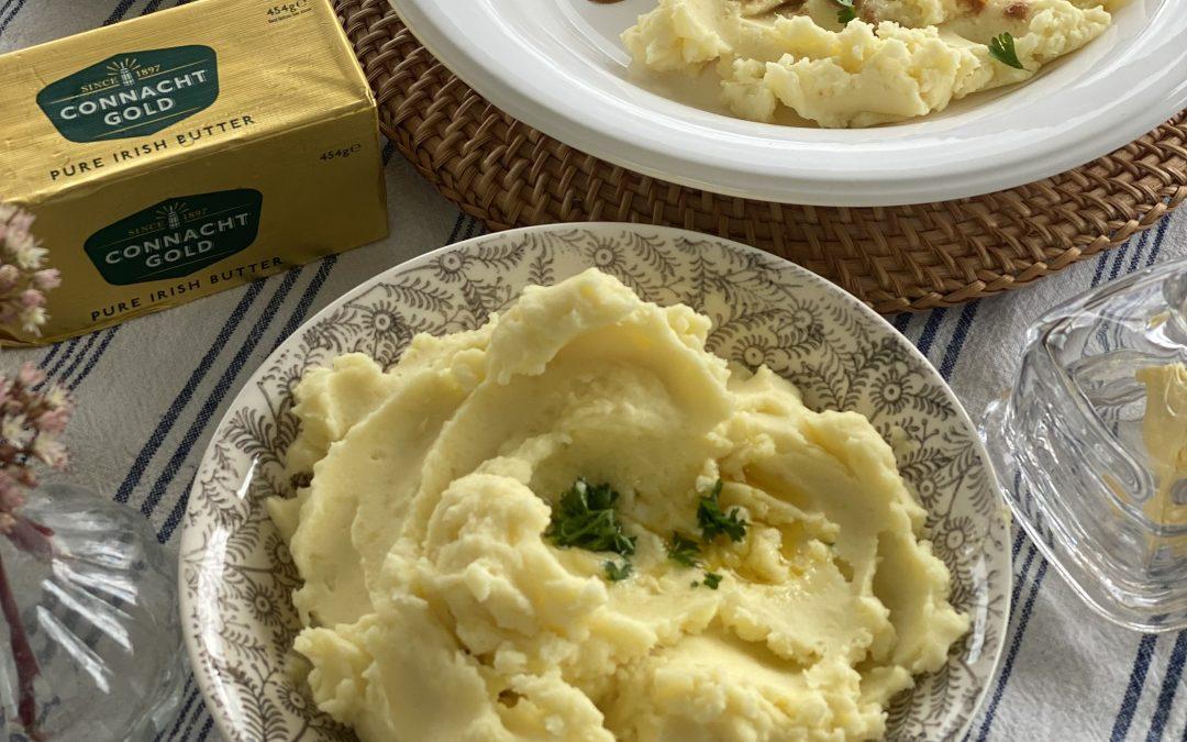 Stew and buttery, creamy mash potato